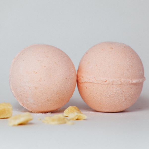Mango Papaya bath bomb