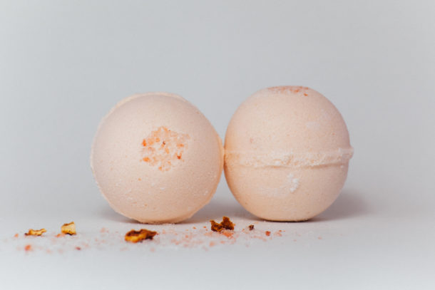 Orange Evergreen bath bomb